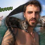 น้องแมวน้อยติดทาสหนักมาก ว่ายน้ำตามเขาออกมาในทะเล เพื่อจะได้อยู่ใกล้ๆ เขา